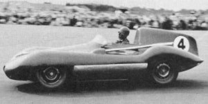 Leslie, now powered by a Jaguar engine, drives to third place at the 1956 Wigram Trophy.