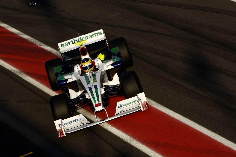Senna tests the interim 2009 Honda looking for a raceseat for next season. Photography: Honda F1