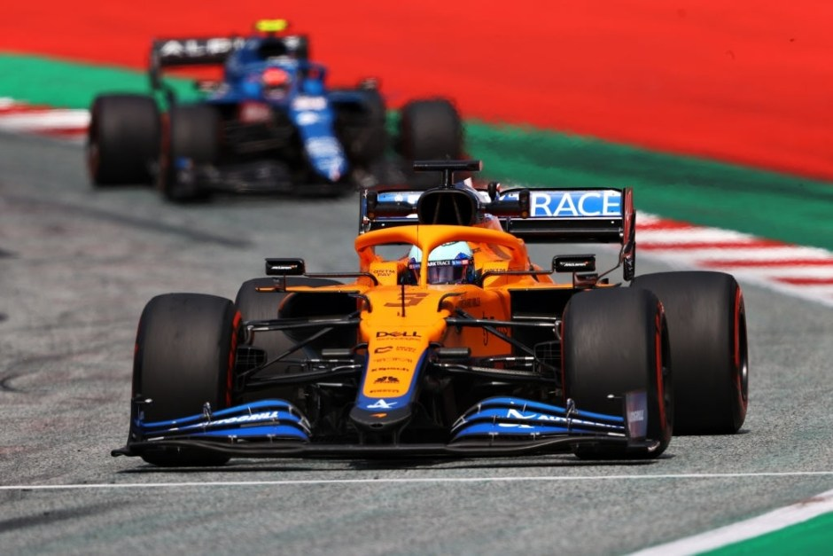SPIELBERG, AUSTRIA - JUNE 25: Daniel Ricciardo of Australia driving the (3) McLaren F1 Team MCL35M Mercedes leads Esteban Ocon of France driving the (31) Alpine A521 Renault on track during practice ahead of the F1 Grand Prix of Styria at Red Bull Ring on June 25, 2021 in Spielberg, Austria. (Photo by Bryn Lennon/Getty Images)