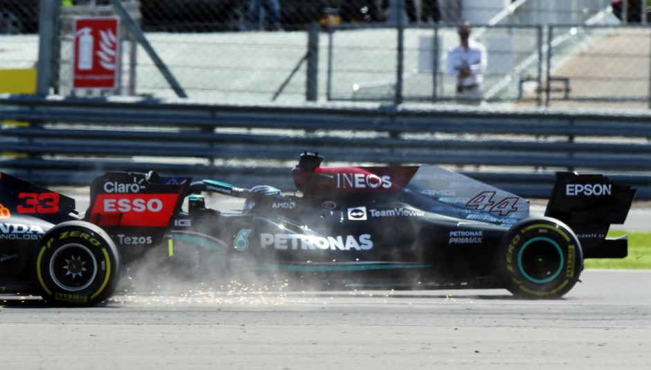 Hamilton and Verstappen crash