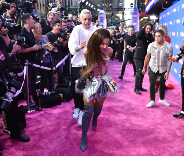 Ariana Grande And Pete Davidsons Breakup Does Not Deserve Your Scorn British Gq