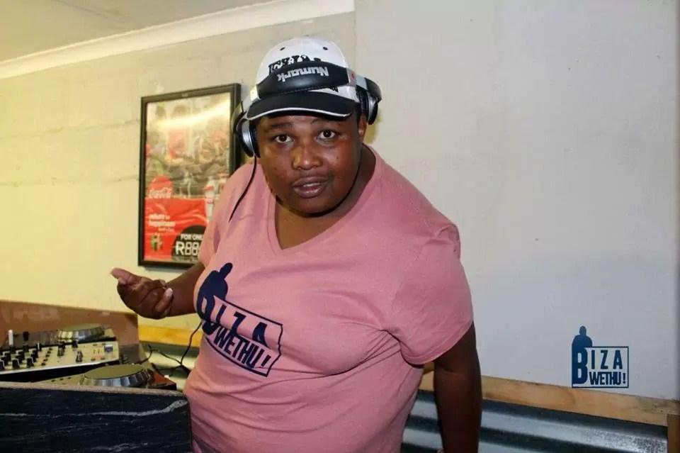 Bizza Wethu & DJ Simpra (Mr Thela) - iBus