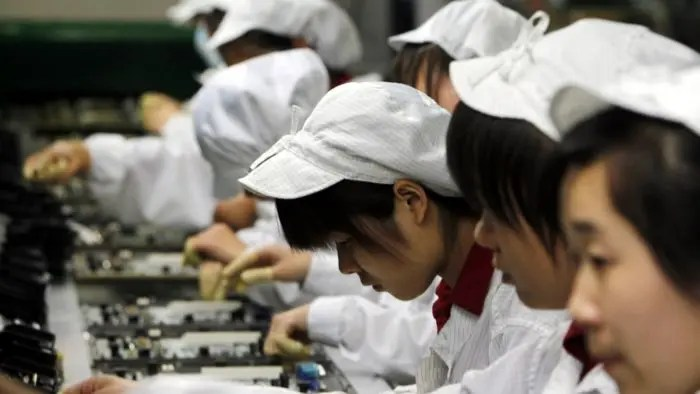 foxconn-workers-030614