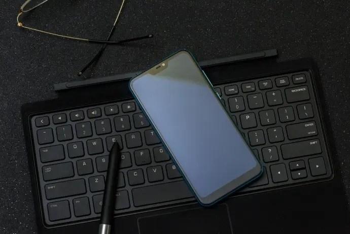 Xiaomi-Redmi-6-Pro-Lake-Blue-3