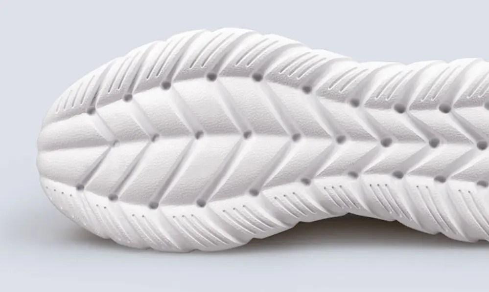 75d9c936436 ... τα Xiaomi Mijia FREETIE Sneakers είναι πλέον ακόμα πιο σταθερά στο  τρέξιμο και το περπάτημα, ενώ η σόλα τους έχει κατασκευαστεί με χρήση της  τεχνολογίας ...