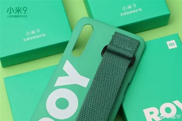 Άδειασαν νταλίκα γεμάτη κινητά της Xiaomi!