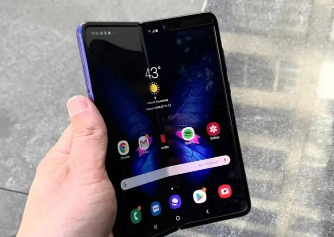 Samsung Galaxy Fold: Ακυρώθηκε η προπώληση του ... μέχρι νεωτέρας