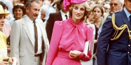 Στα Zara θα βρείτε φόρεμα εμπνευσμένο από μία εμφάνιση της πριγκίπισσας Νταϊάνα