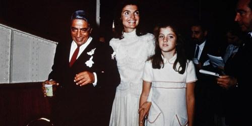 Σαν Σήμερα: Ο γάμος του Αριστοτέλη Ωνάση και της Τζάκι Κένεντι γράφει ιστορία