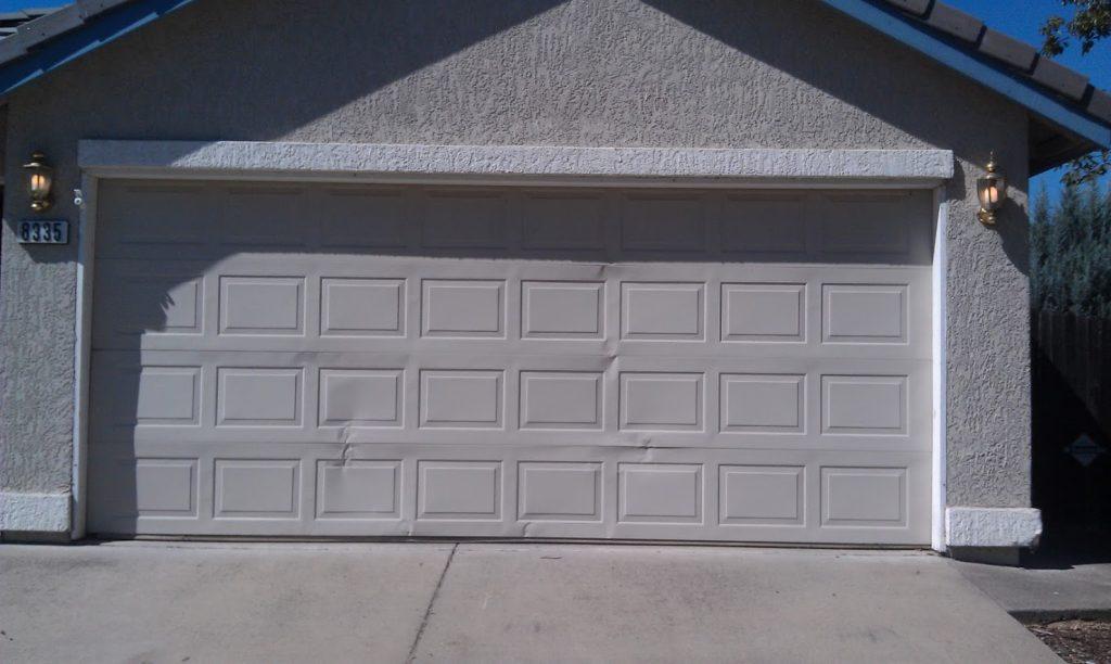 Signs Of A Cracked Panel Gr8 Garage Door Repair Los Angeles Ca