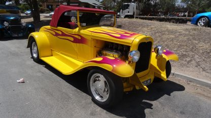 Hotrods at Glenrowan