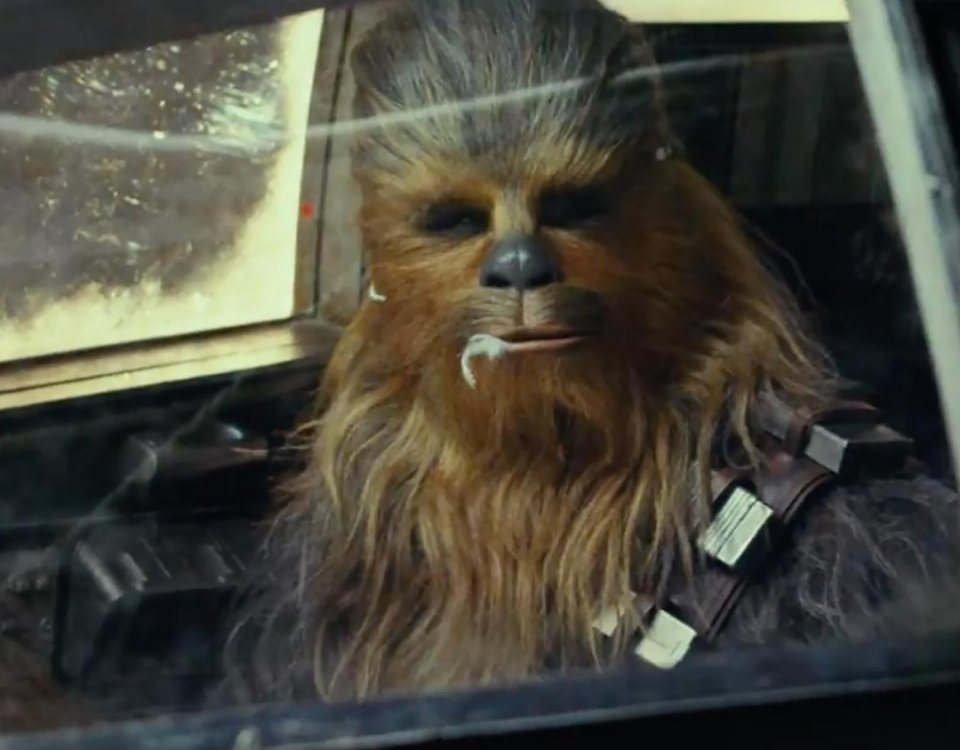 rian-johnson-offers-new-details-on-chewbacca-and-maz-kanatas-roles-in-star-wars-the-last-jedi-social.jpg