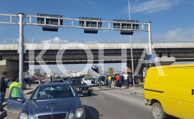 10. april 2016. god., oko 10 časova, saobraćajni udes na putu Priština – Kosovo Polje Izvor: Koha vision