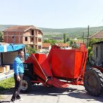 Велика Хоча: Срби за Србе поклонили берач кукуруза