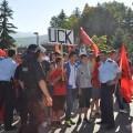 Протест Албанаца из Мушутишта против повратка Срба