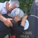 Ђурић на парастосу убијеној деци у Гораждевцу