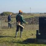 Чишћење гробаља пред Задушнице