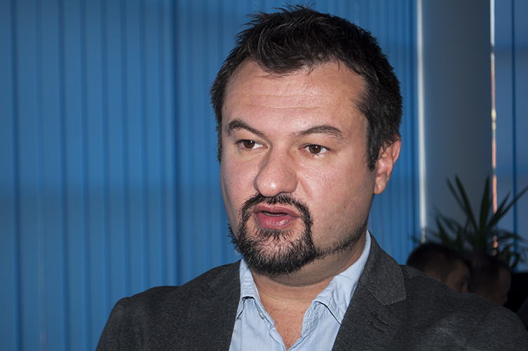 "Фото ГрачаницаОнлајн: Ненад Максимовић, директор НВО ""Центар за мир и толеранцију""."
