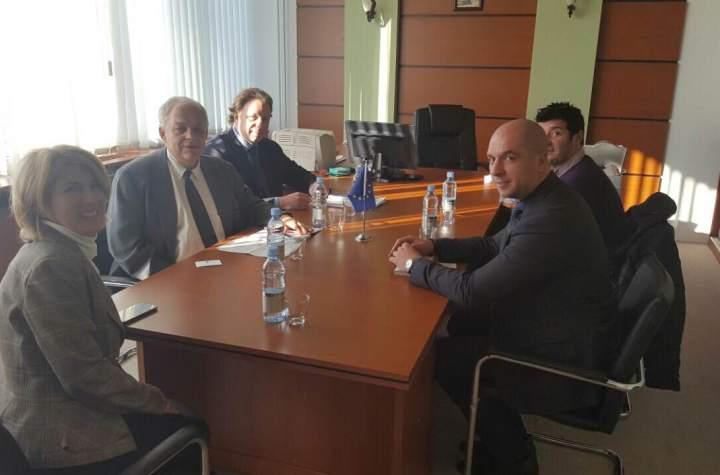 Славко Симић и Едуард Ауер о развоју демократије на Косову