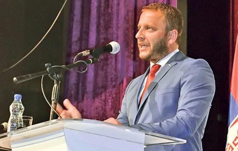Градоначелник Штрпца избацио новинара Угриновића из канцеларије; УНС и ДНКиМ траже извињење