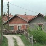 Obijena Crkva u Suvom Dolu i dom povratnika u Brestoviku kod Peći