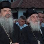 Група слободномислећих Срба са КиМ подржала владику Теодосија и игумана Саву Јањића