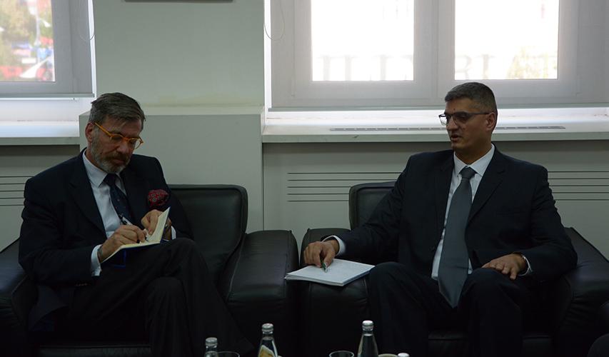Nenad Rikalo sa nemačkim ambasadorom u Prištini o razvoju poljoprivrede na Kosovu