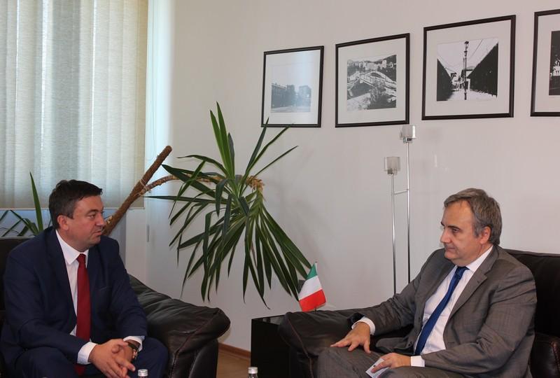 Тодосијевић и амбасадор Италије о актуелној политичкој ситуацији на Косову