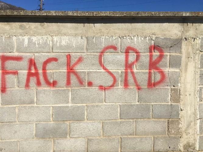 U Ljuboždi kod Istoka ispisani grafiti uvredljive sadržine
