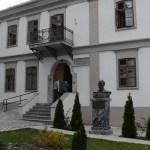 Канцеларија за КиМ: Обезбеђен огрев за објекте СПЦ, здравствене и образовне установе на Косову и Метохији