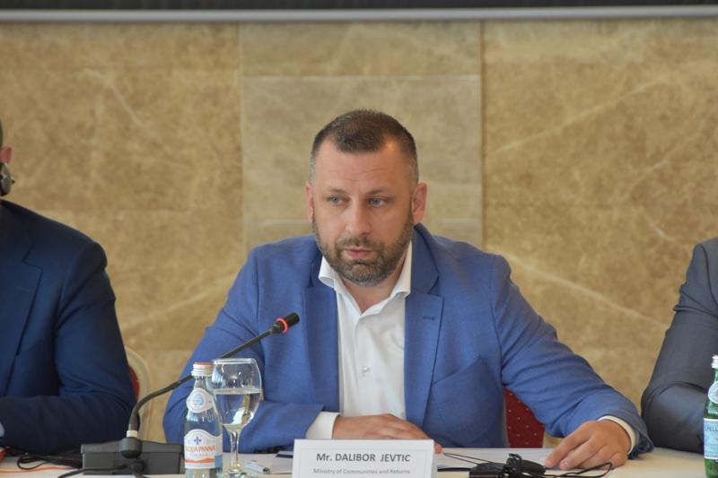 Влада Косвова усвојила Уредбу о порватку и трајна решења за расељена лица
