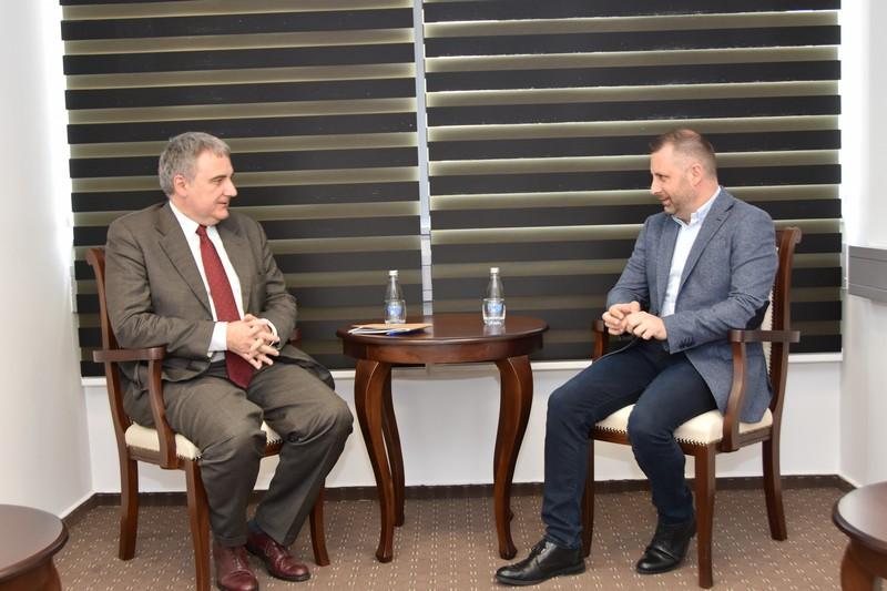 Јевтић и Сарди разговарали о ситуацији на Косову
