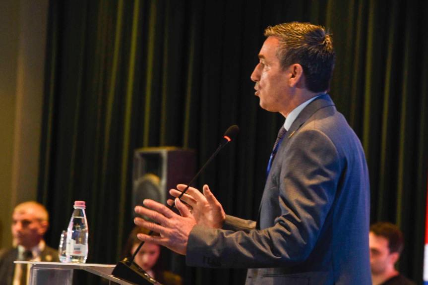 Кадри Весељи од Холандије тражи подршку за визну либерализацију за Косово