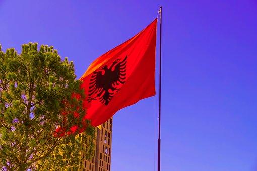СПУТЊИК: Албанци би да уз помоћ Америке и даље комадају Србију
