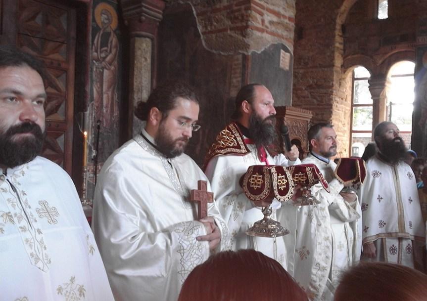 Архимандрит Иларион: Враћајмо се Мајци Цркви, јер је она та која не дели, него сабира