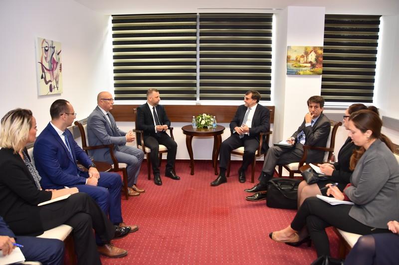 Палмер на Косову: Не можемо се вечито бавити питањем Косова