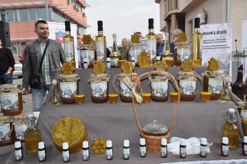 Стручно предавања за пчеларе у Грчаници