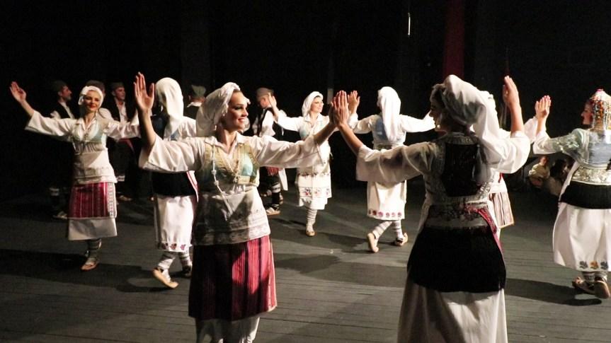 "Ansambl ""Venac"": Pesma i igra za gračaničku publiku, naklon za prisajedinjenje Vojvodine Srbiji"