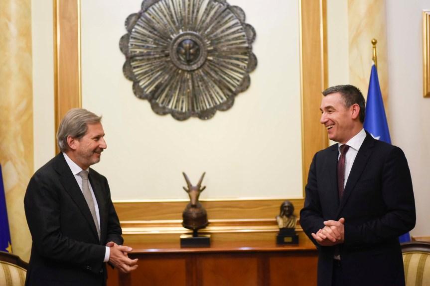Весељи – Хан: Формирање војске Косова јачање партнерства са НАТО
