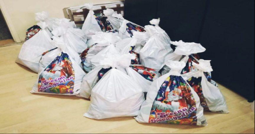 Paketići, namenjeni deci u Goraždevcu i Osojanu, stigli na odredište