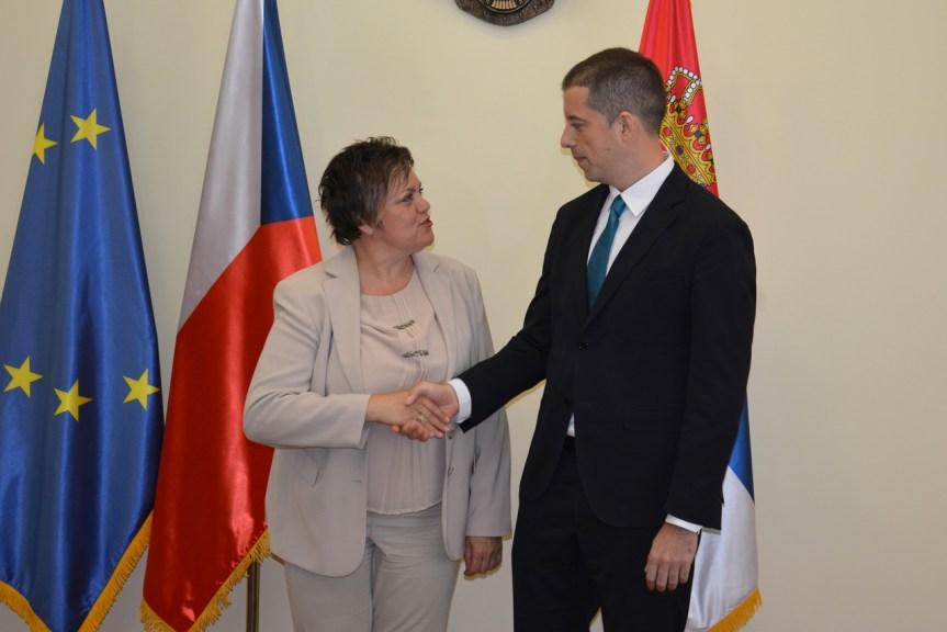 Ђурић: Београд је за постизање компромисног решења, Приштина избегава своје обавезе