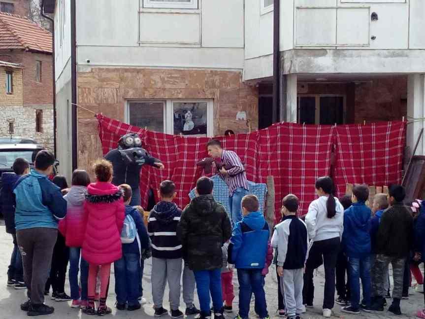 Арно Гујон и радост у свакој школи на Косову и Метохији