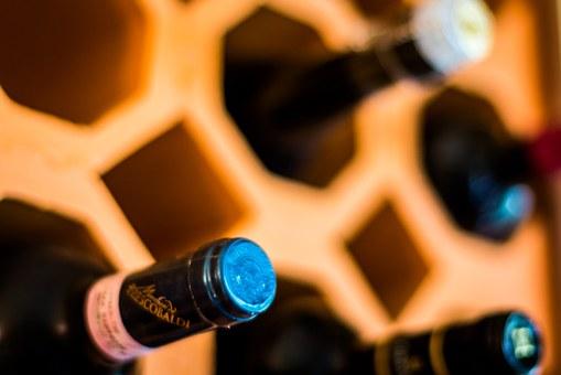 Васркшњи сајам вина у северној Косовској Митровици