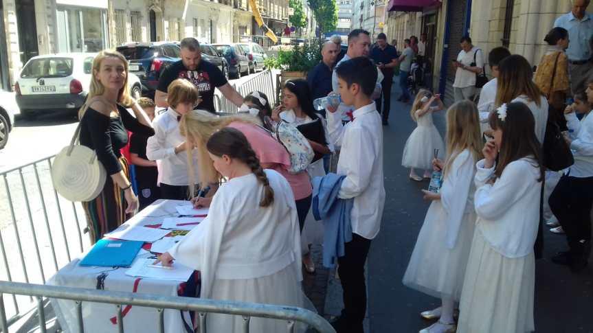 """Француски интелектуалци у сарадњи са Колективом """"Мир на КиМ"""" покренули петицију о повлачење признања Косова од стране званичног Париза"""
