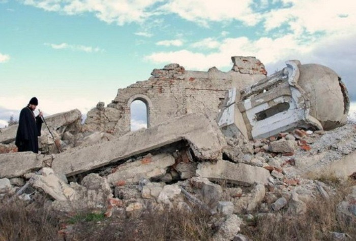 Eпархија рашко – призренска: Косовска полиција није дозволила Србима у Доњем Петричу да обележе Тројичин дан