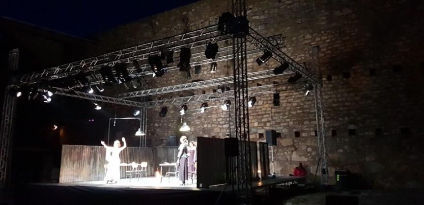 """""""Жене из Троје"""", освојиле специјалну награду за сценски говор на """"Тврђава театру"""" у Чортановцима"""