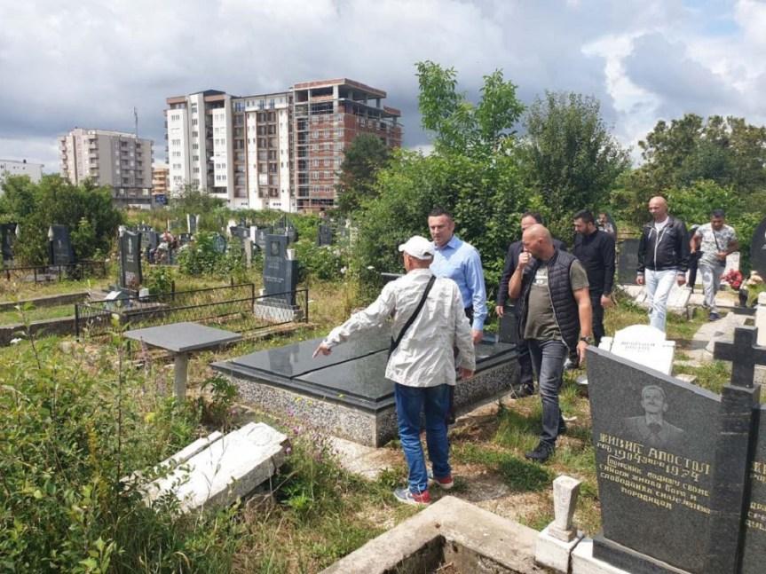 Вандали поново оскрнавили српско гробље у Липљану