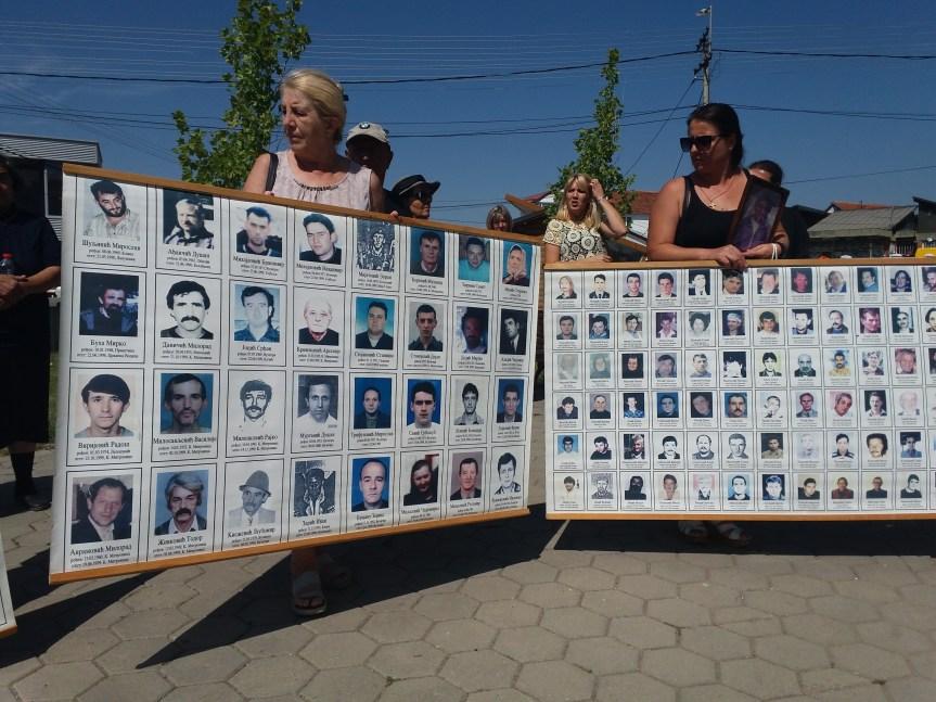 Porodice kidnapovanih i nestalih na skupu u Gračanici: I posle dve decenije naša borba na početku