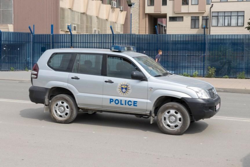 Косовска полиција привела три лица у Митровици и Звечану