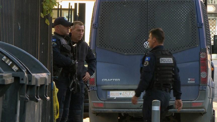 Косовска полиција спроводи акцију у општини Клокот?